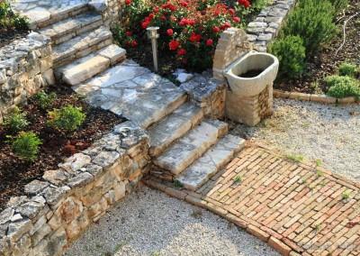 kamene stepenice i staza