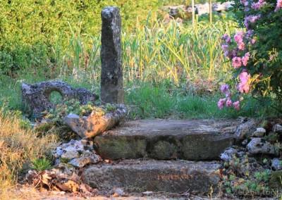 kameni detalj u vrtu